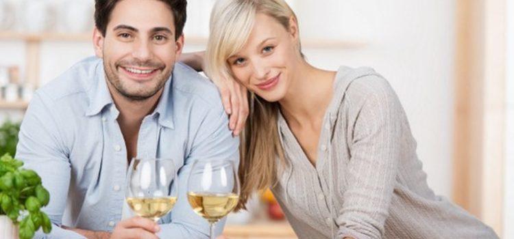 Konzumácia alkoholu v malom môže zdraviu pomôcť.