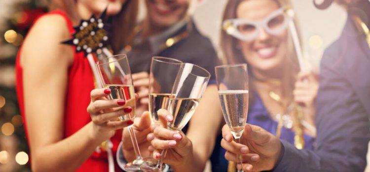 Ako podať prvú pomoc, keď to kamarát preženie s alkoholom? Radí záchranár